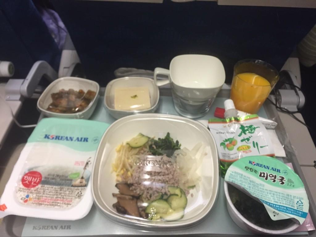 大韓航空ハワイ行き搭乗記~機内食や飛行時間の暇つぶしを紹介~