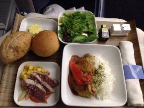 【THB】シャキシャキした新鮮な機内食はおすすめ!ハワイ行きデルタ航空ビジネスクラス02